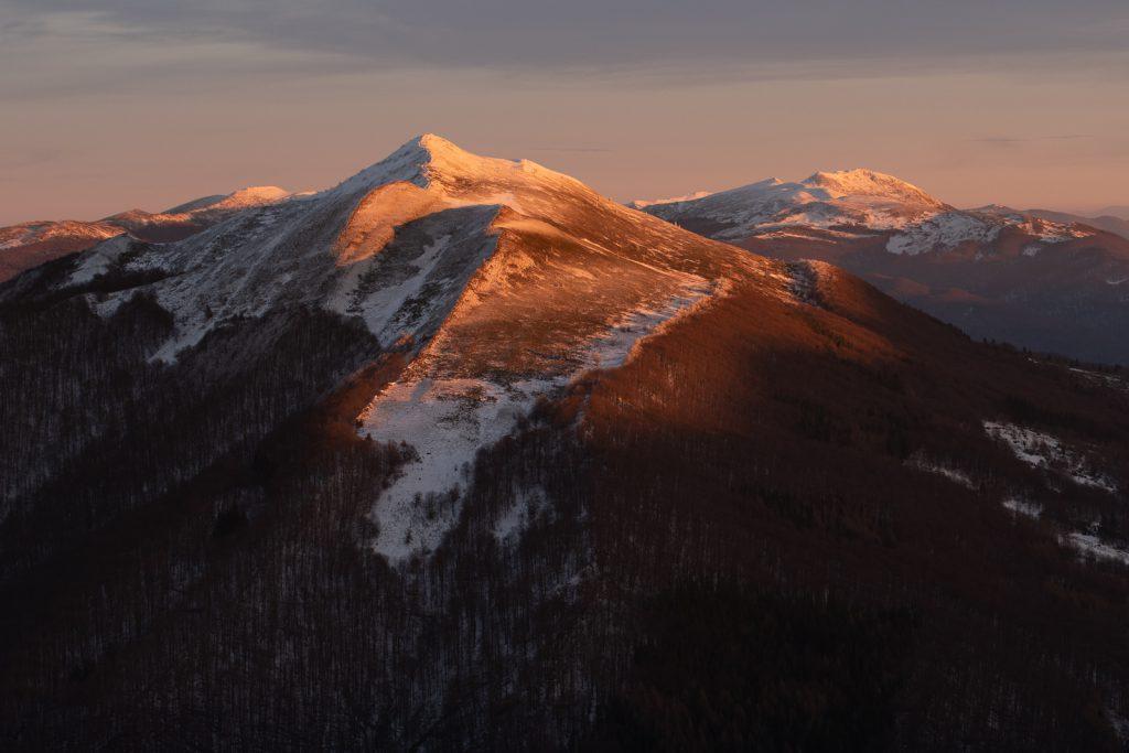 Zachód słońca w górach na Połoninie Caryńskiej