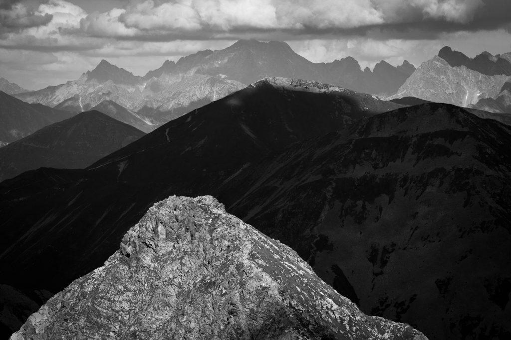 Góry w czerni i bieli - fotografia wykonana Tamronem 70-200 G2